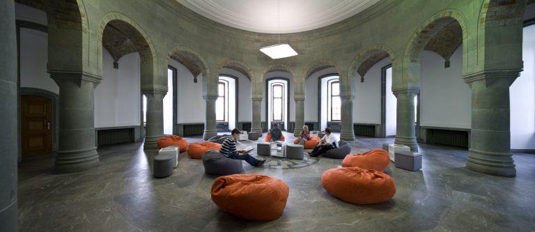 Kraken Memories - Página 3 Obergruppenf%C3%BChrersaal-M.-Groppe-2010-Kreismuseum-Wewelsburg-768x333